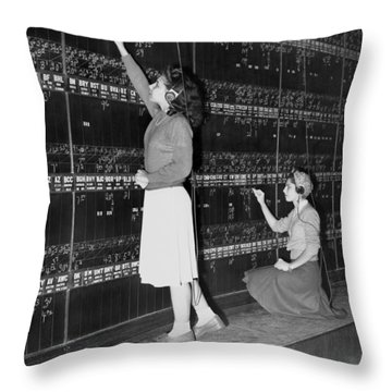 Stock Exchange Hires Women Throw Pillow