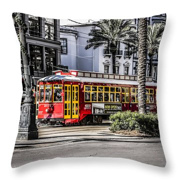 Street Car In Nw Orleans Throw Pillow