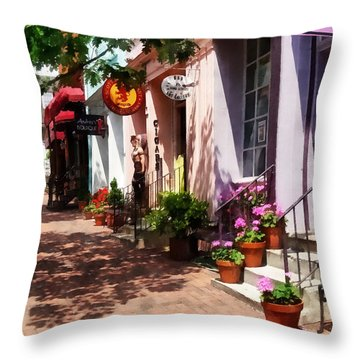 Alexandria Va - Street With Art Gallery And Tobacconist Throw Pillow