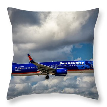 Sun Country Boeing 737 Ng Throw Pillow