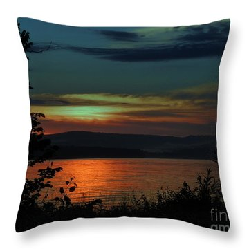 Sun Sets On Winnisquam Throw Pillow