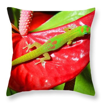 Sunbathing Gecko Throw Pillow