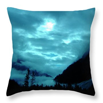 Throw Pillow featuring the photograph Sunday Morning by Jeremy Rhoades