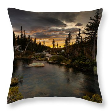 Sunrise In The Indian Peaks Throw Pillow