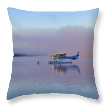 Sunrise On Lake Te Anu Throw Pillow