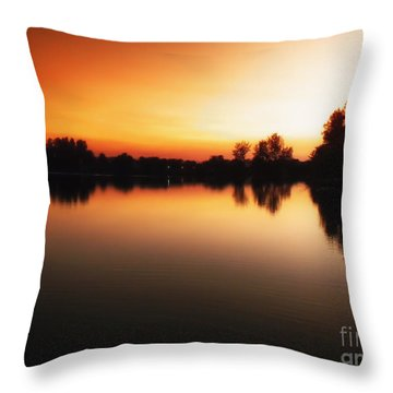 Sunset A Lake In Mansfield Il Throw Pillow by Thomas Woolworth