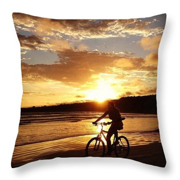 Lovin Life Throw Pillow