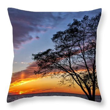 Sunset At Chesapeake Beach Throw Pillow