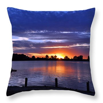 Sunset At Creve Coeur Park Throw Pillow