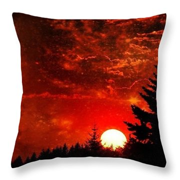 Sunset Fantasy I Throw Pillow