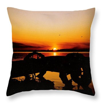 Sunset On Lake Wahtoponek Throw Pillow