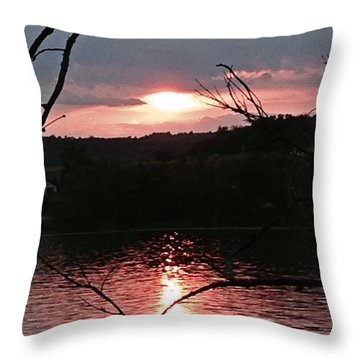 Sunset On The Hudson Throw Pillow