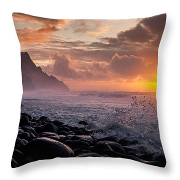 Throw Pillow featuring the photograph Sunset On The Kalalau by Tim Newton
