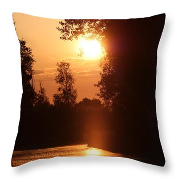 Sunset Over The Canals Throw Pillow by Rogerio Mariani