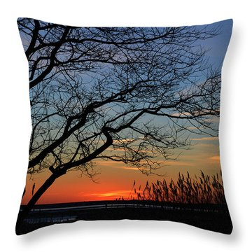 Sunset Tree In Ocean City Md Throw Pillow