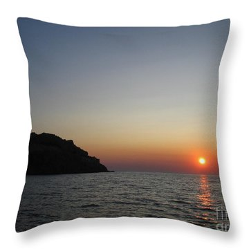 Throw Pillow featuring the photograph Sunset by Vicki Spindler