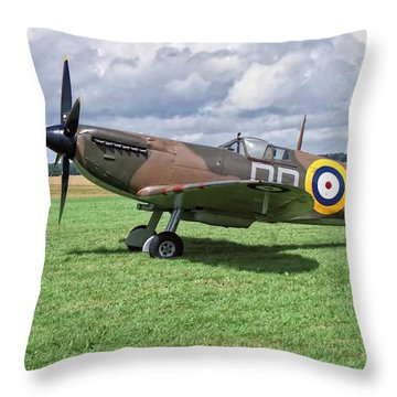 Supermarine Spitifire 1a Throw Pillow