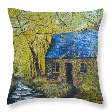 Throw Pillow featuring the painting Susan's Cottage by Suzette Kallen