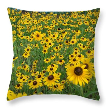 Susans In The Wind Throw Pillow