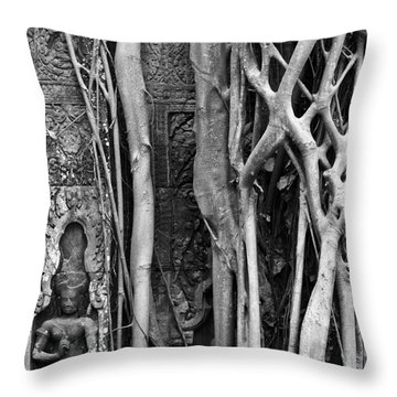 Ta Prohm Roots And Stone 09 Throw Pillow