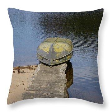 Throw Pillow featuring the photograph Taking A Break by Randy Pollard