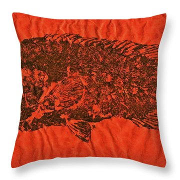 Tautog On Sienna Thai Unyru / Mulberry Paper Throw Pillow