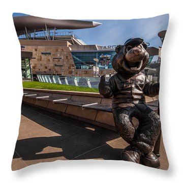 T.c. Statue And Target Field Throw Pillow by Tom Gort