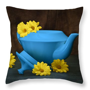 Tea Kettle With Daisies Still Life Throw Pillow by Tom Mc Nemar