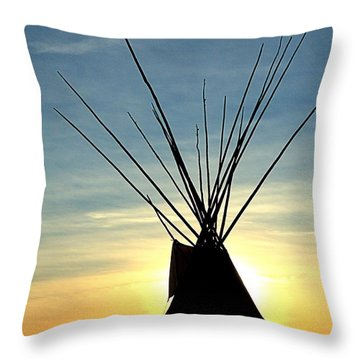 Teepee Along The Little Big Horn River Throw Pillow