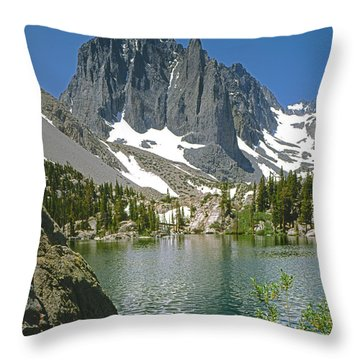 2m6437-temple Crag Throw Pillow