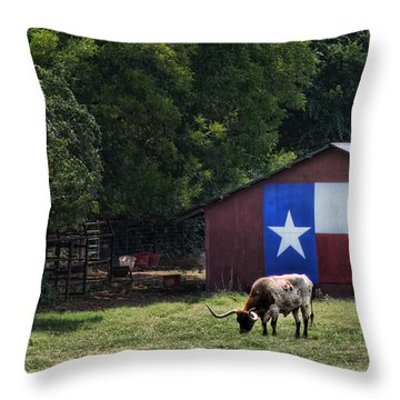 Texas Longhorn Grazing Throw Pillow