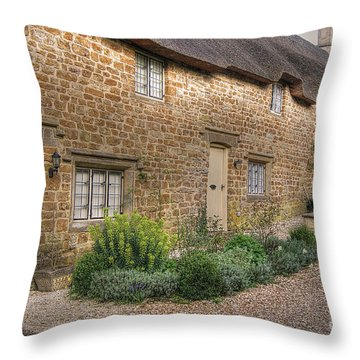 Thatched Cottages In Oxfordshire Throw Pillow
