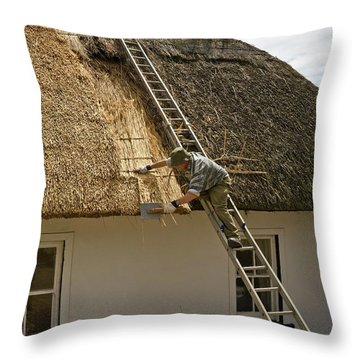 Thatching A Cottage,dunmore East Throw Pillow