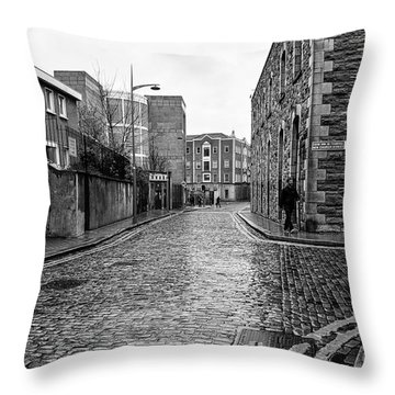 The Blue Umbrella - Sc Throw Pillow by Mary Carol Story