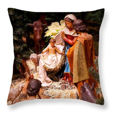The Christmas Creche At Holy Name Cathedral - Chicago Throw Pillow