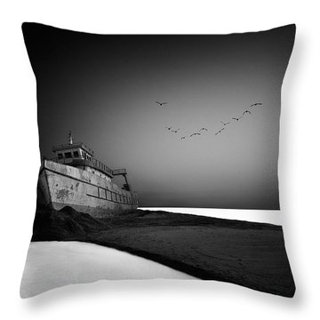 Stranded Throw Pillows