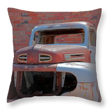 Throw Pillow featuring the photograph The Pick Up by Lynn Sprowl