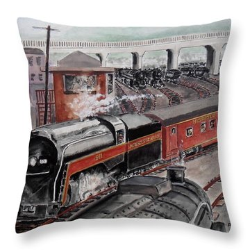 The Powhatan Arrow Roars Through The Yards Into Portmouth Throw Pillow