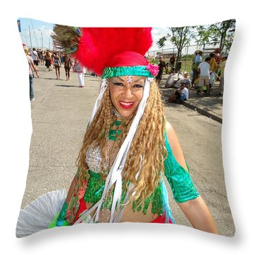 Throw Pillow featuring the photograph The Smile by Ed Weidman