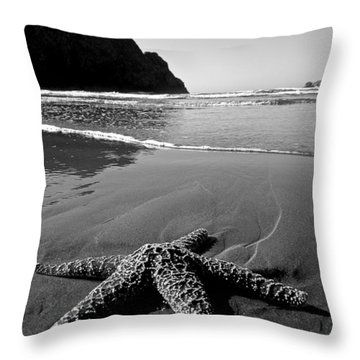 The Starfish Throw Pillow