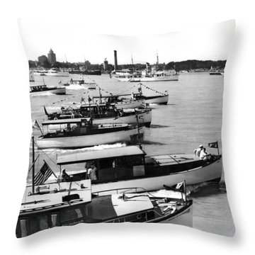 The Start Of The Liggett Trophy Race On The Detroit River In Mic Throw Pillow