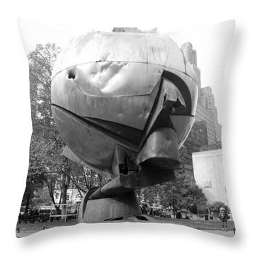 The  W T C Plaza Fountain In Black And White Throw Pillow by Rob Hans
