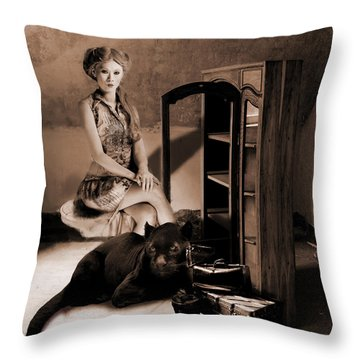 Therian - Cat People Throw Pillow