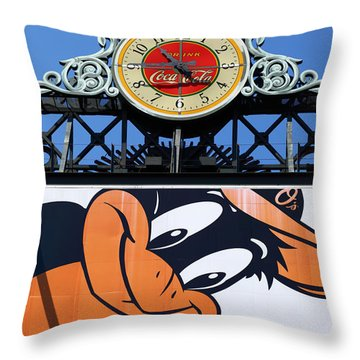 Thirsty Oriole Throw Pillow