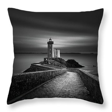 Horizon Throw Pillows