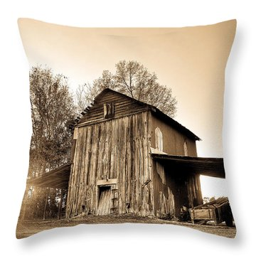 Tobacco Barn In Sunset Throw Pillow