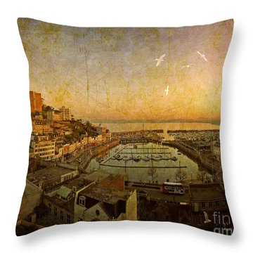 Torquay 2014 No.2 Throw Pillow