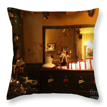 Traditional English Christmas Throw Pillow