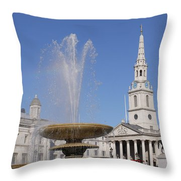 Trafalgar Square Fountain. Throw Pillow