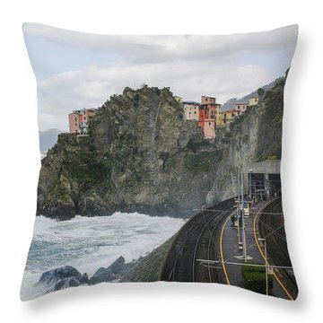 Trainstation In Manarola Italy Throw Pillow